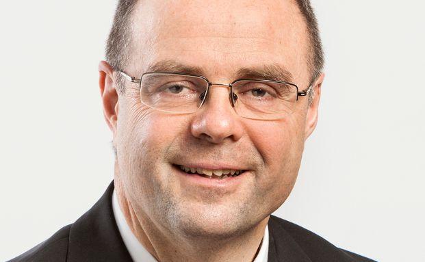 """Rudolf Schababerle ist Leiter Vertriebsservice der Bankenkooperation der Karlsruher und Württembergische. Er referiert auf dem Fokustag """"Versicherungsvertrieb über Banken und Versicherungen"""" der Bankenforen Leipzig am 28. Juni."""