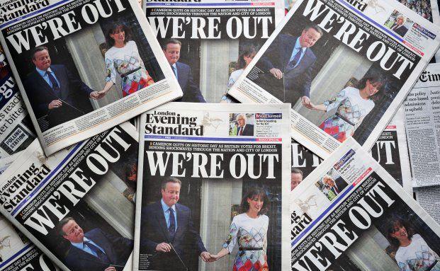 Schlagzeilen nach dem Votum der Briten: Der Austritt aus der EU hat auch viele Fondsmanager überrascht. Matthias Hoppe und sein Team waren jedoch vorbereitet. (Bild: Getty Images)