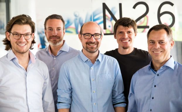 Das Team von N26 (v.l.n.r.): Gründer und CEO Valentin Stalf, Gründer und COO Maximilian Tayenthal, CFO N26 Bank Matthias Oetken, CTO Christian Rebernik und CEO N26 Bank Markus Gunter / Foto: number26.eu