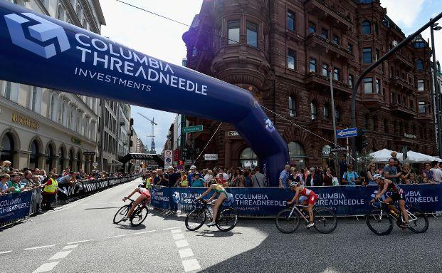 Die auch am deutschen Fondsmarkt vertretene Columbia Threadneedle Investments sponsert seit drei Jahren den ITU World Triathlon Hamburg, dem größten Triathlon der Welt. Foto: Columbia Threadneedle