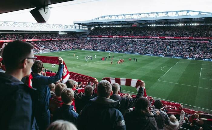 Fußballstadion: Ein Schweriner Unternehmen vermittelte Anlegern Investments in Projekte aus dem Bereich Profifußball, zum Beispiel Merchandising, Stadionprojekte oder auch Spieler-Transferrechte.