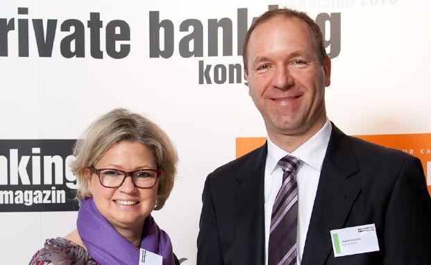Claudia Figl und Robert Scheidler von der Bank Gutmann (Foto: Ch. Scholtysik / P. Hipp)