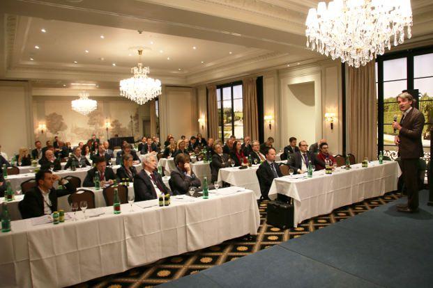 Rund 80 Finanzplaner, überwiegend aus Österreich waren der Einladung des Finanzplaner Forums ins Wiener Hotel Bristol gefolgt. Foto: Oliver Lepold