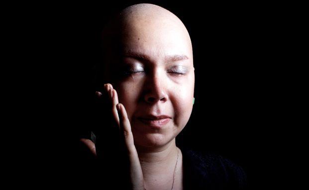 Farvah, eine iranische Brustkrebspatientin, zwei Tage vor ihrer Brust-OP (Foto: Getty Images)