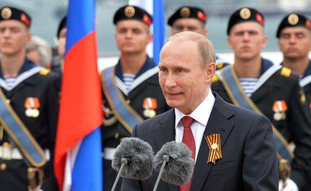 Der russische Präsident Vladimir Putin während eines Besuchs auf der Halbinsel Krim, die im März von Russland annektiert wurde. (Foto: Getty Images)