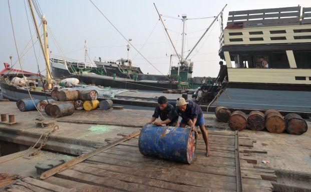 Ein Barrel Öl: IEA rechnet mit Engpässen bei der Rohölversorgung. Foto: Getty Images