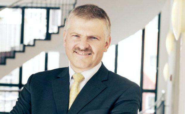 """Gottfried Urban, Vorstand der Bayerische Vermögen AG in Altötting: """"Ein möglicher Turnaround im Öl- und Rohstoffsektor kann mit Aktien oder mit Anleihen genutzt werden"""