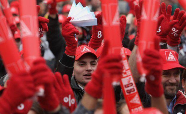 Lohnstreik der IG Metall: Statt einer Gehaltserh&ouml;hung w&auml;re <br> m&ouml;glicherweise auch eine Betriebsrente interessant <br> Foto: Getty Images