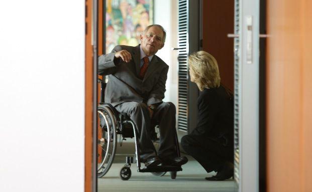 Finanzminister Wolfgang Schäuble im Gespräch mit<br>Bundesarbeitsministerin Ursula von der Leyen letzte Woche in Berlin.<br>Foto: Getty