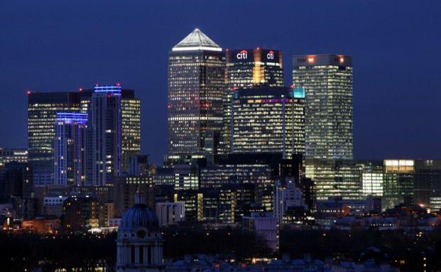 Auch Nachts gehen die Lichter im Londoner Finanzzentrum Canary Wharf nicht aus. (Foto: Getty Images)