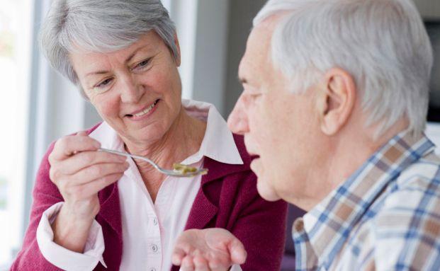 Pflegereform: Der demografische Wandel stellt die Finanzierung der Pflegeversicherung in Frage (Foto: Axa)