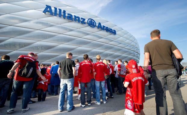 Allianz Arena: Fans des FC Bayern München pilgern zu einem Heimspiel (Foto: Allianz)