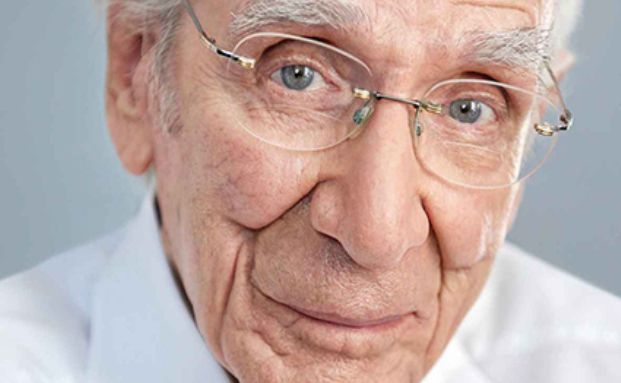der 103-jährige Schauspieler Lukas Ammann. Viele Deutsche unterschätzen ihre Lebenserwartung – und den Vorsorgebedarf. Foto: Die Bayerische