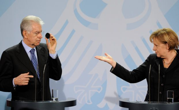 Italiens Regierungschef Mario Monti und die deutsche <br>Kanzlerin Angela Merkel bei einer Pressekonferenz im <br>Januar 2012. Quelle: Gettyimages
