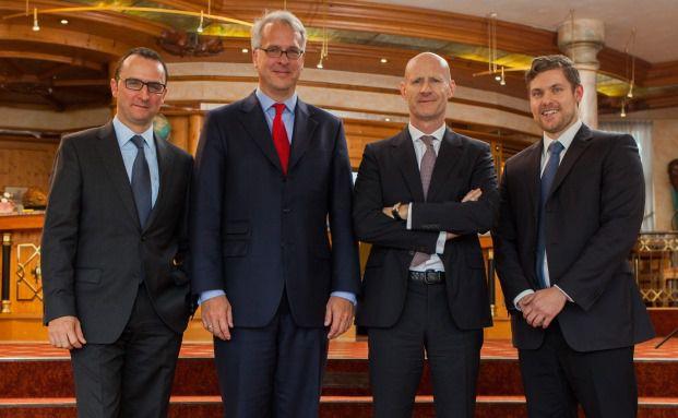 Von links: Michael Reuss (Huber, Reuss & Kollegen), Georg Graf von Wallwitz (Eyb & Wallwitz) und Luca Pesarini (Ethenea) samt Redakteur Ansgar Neisius (Fotos: Jürgen Heppeler)
