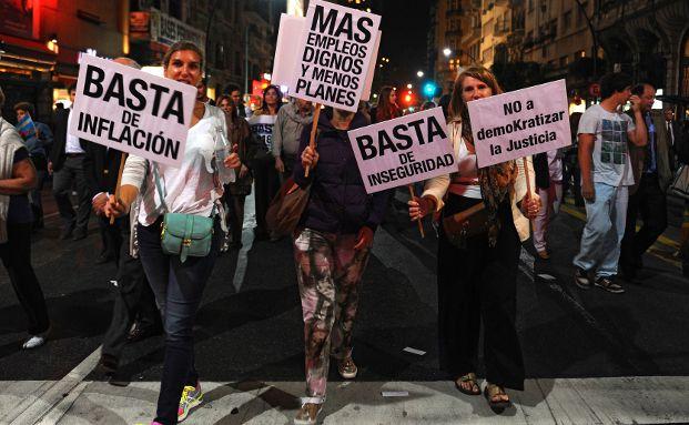 Argentinier demonstrieren gegen die Regierung von Präsidentin Cristina Fernandez de Kirchner in Buenos Aires. (Foto: Daniel Garcia/AFP/Getty Images)