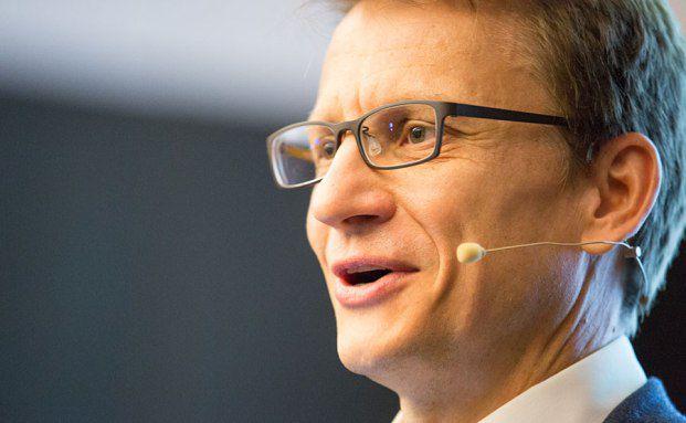 BVI-Hauptgeschäftsführer Thomas Richter referiert über die Fondsregulierung. Fotos: Ch. Scholtysik / P. Hipp
