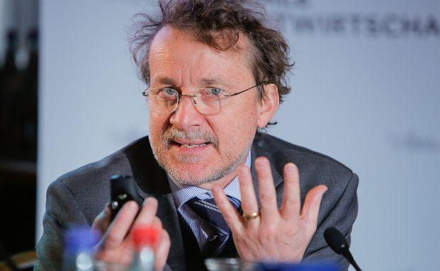 Axel Börsch-Supan beim Frühstücksdialog der Initiative Neue Soziale Marktwirtschaft (INSM) 2014. Foto: INSM, Fotograf: Mark Bollhorst