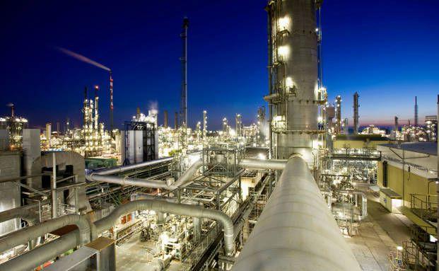 BASF-Gelände in Ludwigshafen: Die Aktie des Chemieunternehmens ist bei ihren Kunden am beliebtesten, fanden vier deutsche Direktbanken heraus.