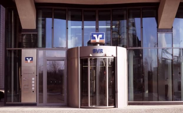 Das BVR-Gebäude in Berlin: Der Verband glaubt nicht, dass weitere Genossenschaftsbanken Strafzinsen für Privatanleger erheben werden. Foto: BVR