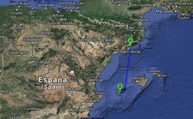 Etwa 290 Kilometer Mittelmeer trennen den Hafen von Barcelona von Ibiza-Stadt. Bild: Google.maps