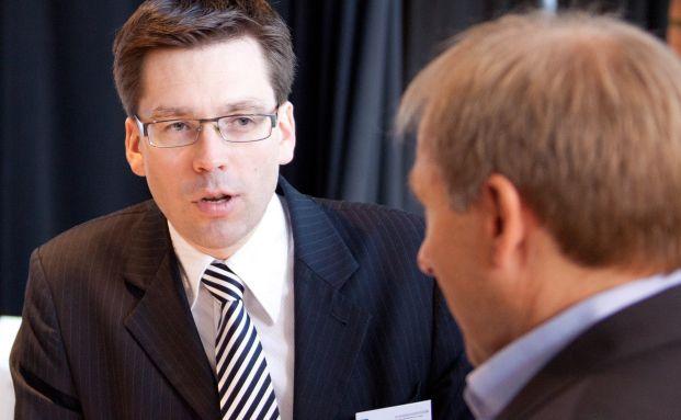 Markus Bertl (links) im Gespräch mit Thorsten Querg von Focam.