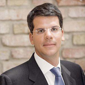 Alexander Betz leitet das Haftungs-<br>dach der Efonds Group nunmehr allein
