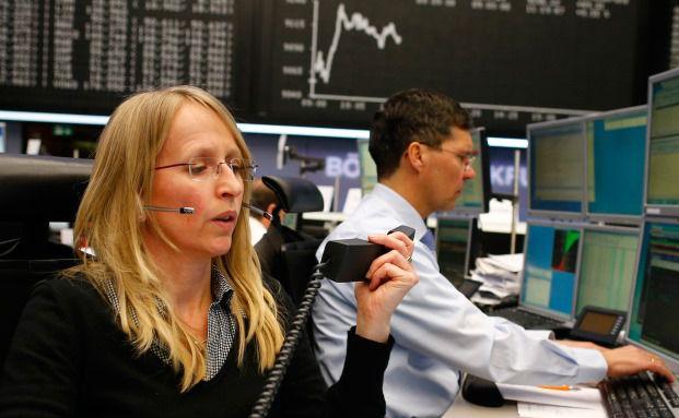 Frankfurter Börse: Zuletzt zeigte der Trend nach oben – bei erheblicher Volatilität. Für 2015 bleiben unabhängige Vermögensverwalter eher zuversichtlich. Foto: Bloomberg