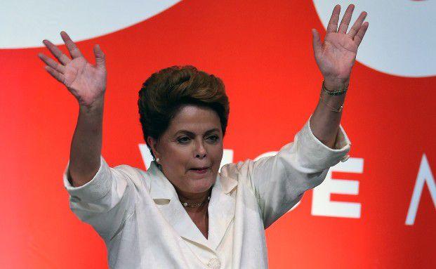 Die Wiederwahl der Präsidentin Dilma Rousseff wird bei vielen reformwilligen Brasilianern kritisch gesehen. (Foto: Getty Images, Varisto Sa)