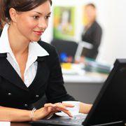 Büroarbeiter profitieren von den<br>günstigeren Prämien für die<br> Berufsunfähigkeitsversicherung. <br>Foto: Fotolia