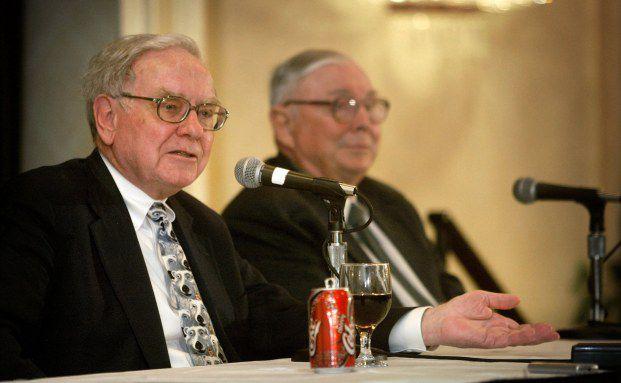 Firmenchefs mit Sinn für Humor: Warren Buffet (li.) und Charles Munger. Foto: Getty Images