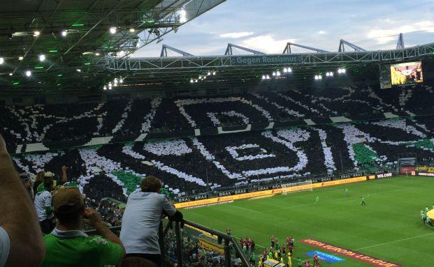 Fan-Choreografie vor einem Europa-Leugue-Spiel 2014 im Borussia-Park