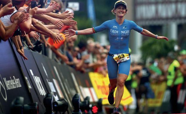 Zieleinlauf beim Ironman 2015 in Frankfurt: Auch bei der PKV entscheiden Leistung, Ausdauer und Flexibilität. Foto: Getty Images