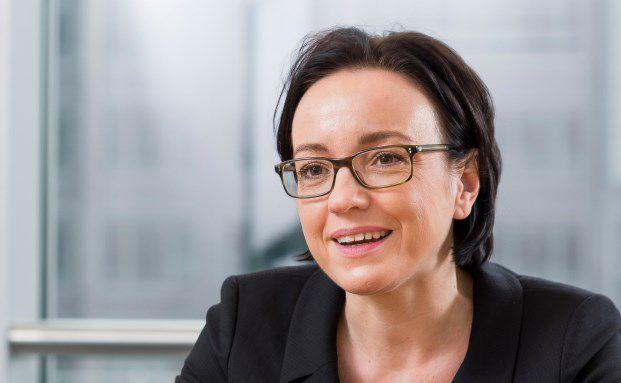 Katja Müller, Leiterin des Bereichs Sales & Relationship Management (SRM) bei Universal-Investment Frankfurt am Main. Die 41-jährige verantwortet sowohl das Geschäft mit Fondsinitiativen und Sourcing-Kunden als auch mit instituionellen Anlegern. Foto: Lutz Sternstein