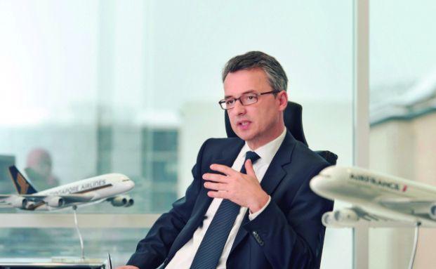 Anselm Gehling ist seit 2011 Geschäftsführer der Dr. Peters Group, einem der führenden Anbieter Alternativer Investmentfonds (AIF) in Deutschland. Der Jurist war von 1999 bis zum Jahr 2011 Partner verschiedener großer Anwaltskanzleien mit Schwerpunkt auf der rechtlichen Gestaltung von Beteiligungsangeboten, Gesellschaftsrecht und Mergers & Acquisitions.