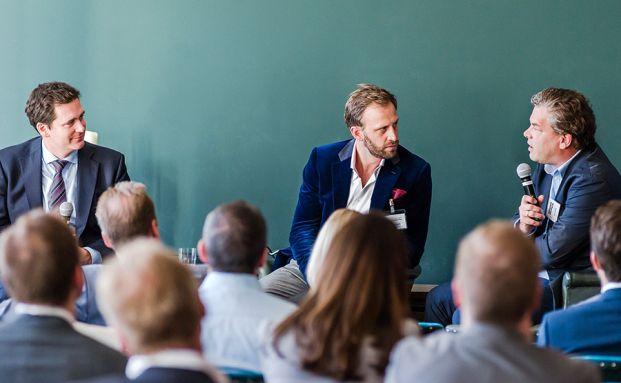 Jonathan Kirby Tibbits mit Nick Sohnemann, Futurecandy, und Malte Dreher, Chefredakteur von DAS INVESTMENT (rechts). Fotos: Kirsten Nijhof