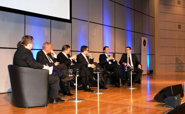 Frank Milewski (Cash), Eric Romba (BSI), Rainer Krütten (Wealth Management Capital), Thomas Böcher (Paribus Capital), Holger Sepp (Caceis Bank Deutschland), Robert Kramer (GSK Stockmann + Kollegen) und Markus Deselaers (DAS INVESTMENT)