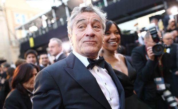 Hat mit 71 noch eine Menge im Filmgeschäft vor: US-Charakterdarsteller Robert De Niro (mit Ehefrau Grace Hightower) in Hollywood. (Foto: Getty Images)