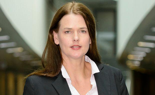 Dorothea Mohn, Teamleiterin Finanzmarkt beim Bundesverband der Verbraucherzentralen, plädiert trotzdem für ein Provisionsverbot im Finanzvertrieb, Foto: VZBV