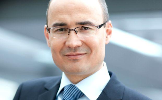 Dzhaparov Odeniyaz managt seit Anfang 2007 den DWS Russia.