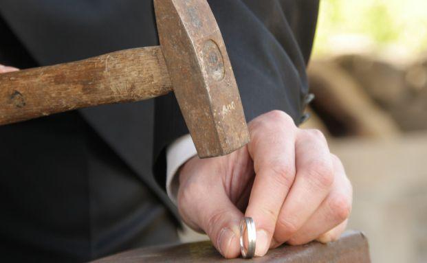 Deutscher Ring: Der Bund fürs Leben ist zerbrochen. Quelle: Pixelio