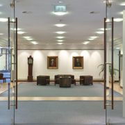 Eingang der Berenberg Bank <br> in Hamburg