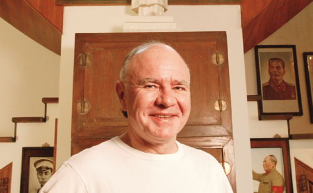 Marc Faber in seinem Haus in Thailand