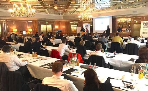 100 Finanzplaner nahmen am Finanzplaner Forum Südwest teil.
