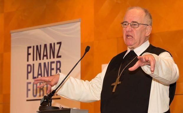 """Altabt Gregor Henckel-Donnersmarck hielt den Eröffnungsvortrag zum Thema """"Reich werden auf gute Art"""" (Foto: Fotostudio Huger Wien / Finanzplaner Forum Österreich)"""