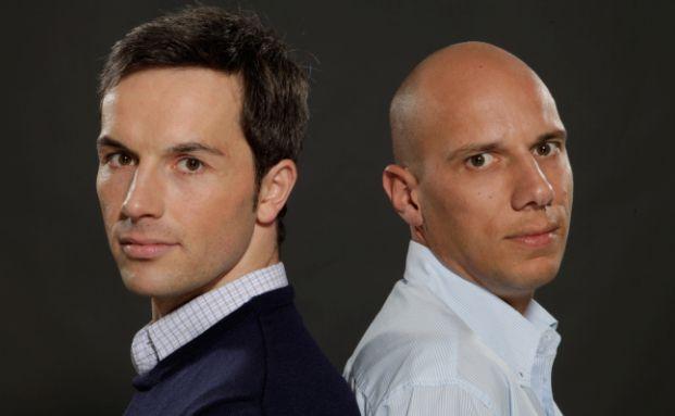 Marc Friedrich und Matthias Weik (v. li.). Die beiden Spiegel-Bestseller-Autoren gehen in ihrem neuesten Buch hart mit der EZB-Politik ins Gericht