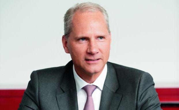 Gerhard Frieg, Vorstand für Produktmanagement und Marketing bei HDI