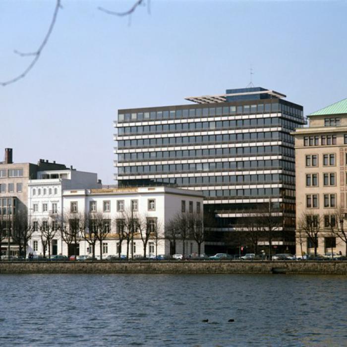Das Berenberg-Hauptgebäude<br>an der Hamburger Binnen-Alster<br>Foto: Berenberg Bank