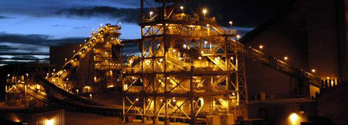 Goldmine bei Nacht (Foto: Anglogold)