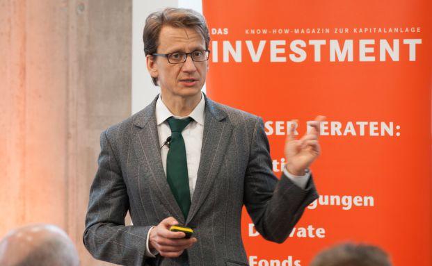BVI-Hauptgeschäftsführer Thomas Richter spricht beim Tag der Fondsmanager in Frankfurt (Foto: Christian Scholtysik)